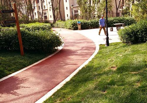 热铺热拌彩色沥青混凝土施工